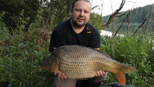 Video Jaroslava Těšínského, který dává k dispozici své letité zkušenosti ohledně lovu kaprů. Rybářské potřeby JET FISH