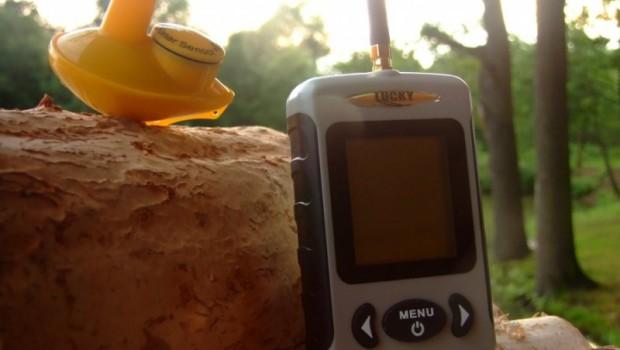 Doporučujeme!!! Bezdrátový Echolot Wireless Fish Finder slouží především jako detektor ryb a hloubkoměr. Výborná pomůcka, která vám zpříjemní drahocenné chvilky na rybách.